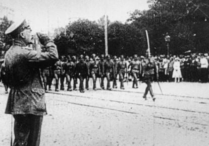 Военный парад на Софийской площади