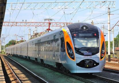Всех 88 пассажиров привезли в Запорожье резервным поездом