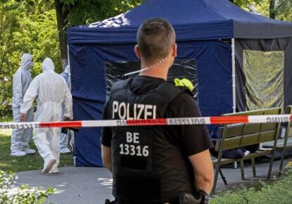 Немецкие криминалисты работают на месте убийства Хангошвили