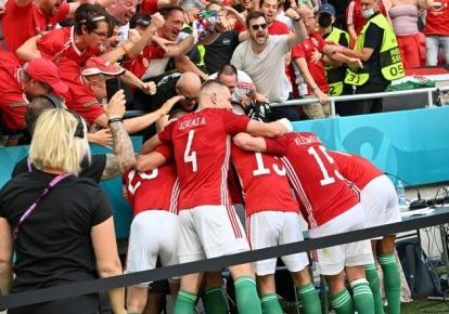 Гравці збірної Угорщини святкують гол у ворота французів
