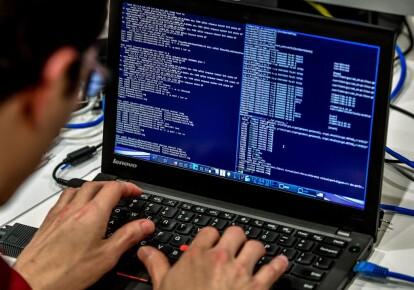 В атаке на США участвовали около тысячи хакеров