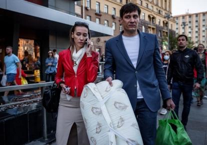 Бывший депутат Дмитрий Гудков и его жена Валерия