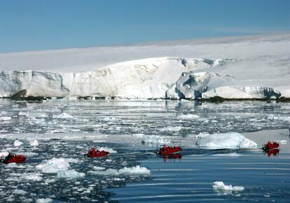 Тающие льды в Антарктиде