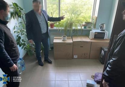 Чиновника задержали при получении аванса в 1 млн грн