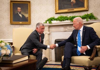 Король Иордании Абдалла II и президент США Джо Байден во время встречи в Белом доме, Вашингтон