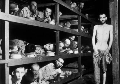 Жертви концтабору Бухенвальд, Німеччина, квітень 1945