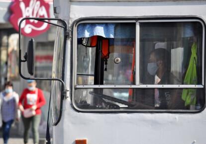 Чернівецька, Волинська та Рівненська області поки що не отримали дозволу на відновлення міжобласних пасажирських перевезень. Фото: УНІАН