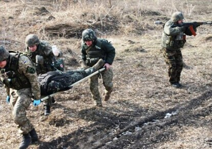 Эвакуация раненого военного
