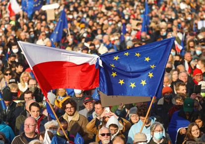 У Польщі протестують проти виходу країни з Євросоюзу