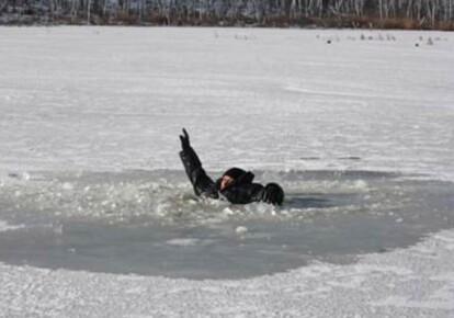 Дитина провалилася під лід