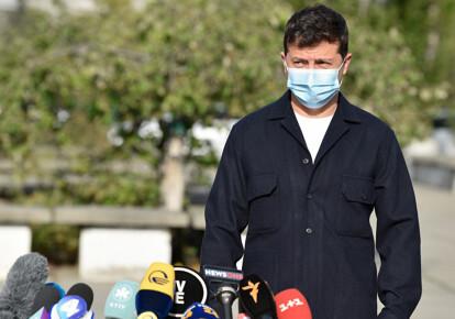 Владимир Зеленский во время брифинга после голосования на очередных местных выборах,
