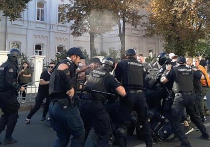 Столкновения во время ЛГБТ-прайда в Харькове Фото: ВПО Фрайкор / Telegram