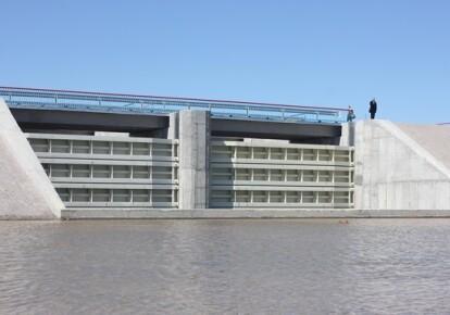 Дамба на Северо-Крымском канале, перекрывающая воду на полуостров/Херсонская облгосадминистрация