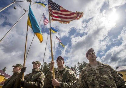 Поданный сенаторами США закон, включает военное финансирование Украины на сумму до $300 млн в год / eurointegration.com.ua