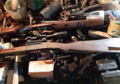 СБУ задокументувала незаконний продаж чотирьох одиниць нарізної зброї