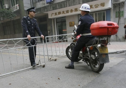 У Китаї озброєний ножем чоловік напав