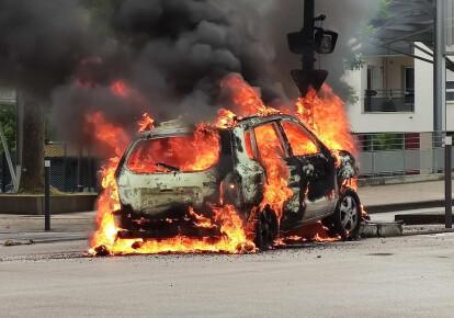 В Діжоні чотири дні тривали міжетнічні зіткнення чеченців і місцевих жителів. Фото: EPA/UPG