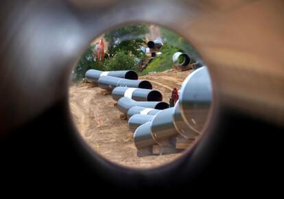 """США расширяют действие санкций в отношении компаний, участвующих в реализации проекта строительства газопровода """"Северный поток-2"""" / Getty Images"""