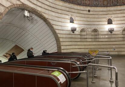 В киевском метро ремонтируют эскалаторы