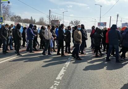 Митингующие перекрыли трассу Киев-Харьков