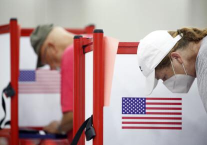 Россия вмешивается в президентские выборы в Соединенных Штатах путем распространения фейков в интернете