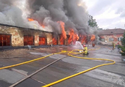 Пожар вспыхнул на территории Ужгородского механического завода