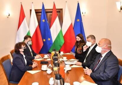 Дипломаты Польши и Венгрии во время встречи во Вроцлаве (Польша), октябрь 2020