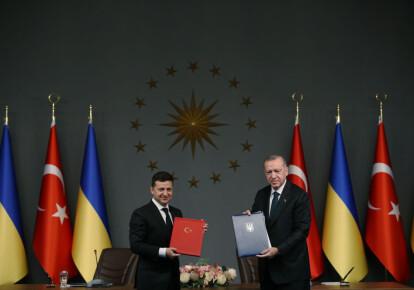 Владимир Зеленский и Реджеп Эрдоган во время встречи в Стамбуле