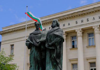 Статуи святых Кирилла и Мефодия в Софии. Фото: Suttersrock