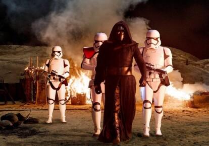"""Кадр из фильма """"Звездные войны. Пробуждение силы"""""""