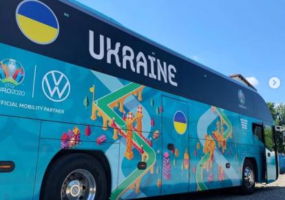 Автобус сборной Украины по футболу во время Евро-2020
