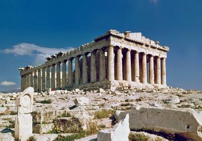 Памятник античной архитектуры, древнегреческий храм Парфенон