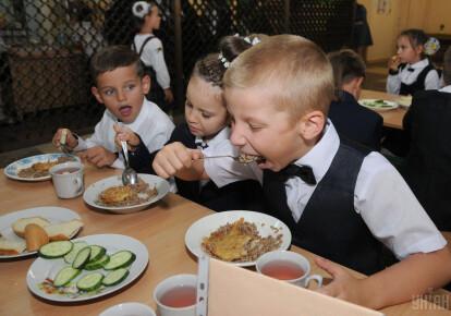 Кабмін змінив організацію харчування дітей у школах