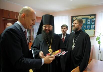 Встреча представителей УПЦ МП с послом Королевства Нидерланды Кейсом ван Баром. Фото: church.ua