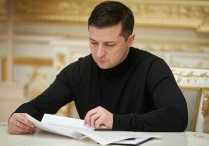 Володимир Зеленський повернув до Ради зі своїми пропозиціями законопроект № 2466. Фото: Офіс президента