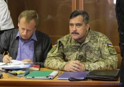 Виктор Назаров (справа)