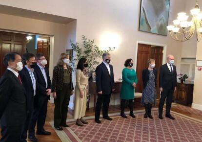 Петр Порошенко встретился с послами государств Группы семи и Европейского Союза