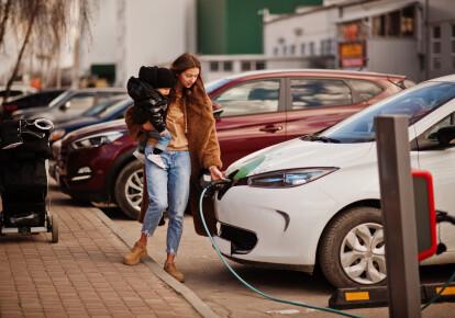 Автомобилям с нулевым уровнем выбросов необходимо проехать почти 80 тыс.км, прежде чем они станут такими же «экологичными», как автомобили на ископаемом топливе