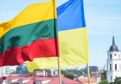 Флаги Украины и Литвы
