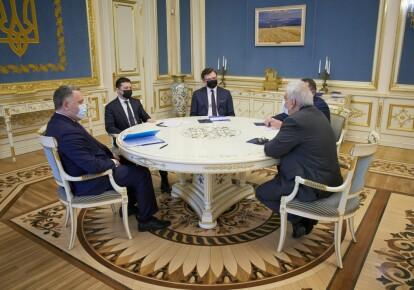 Володимир Зеленський на зустрічі з послами