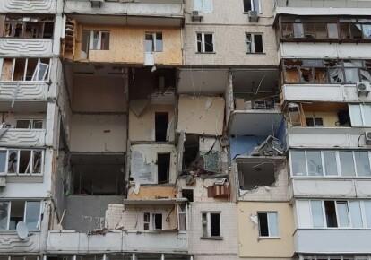 Дом на столичных Позняках после взрыва
