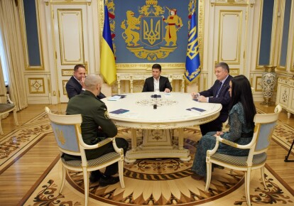 Президент Володимир Зеленський провів зустріч з нацгвардійцем Віталієм Марківим