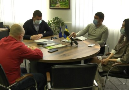 Міський голова проводить нараду щодо ситуації з COVID-19