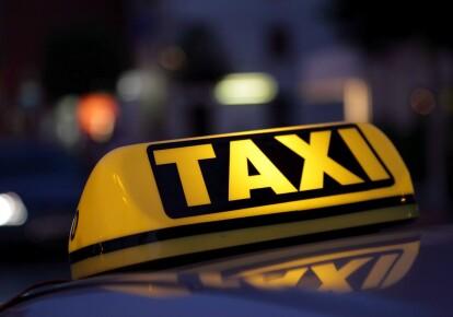 Таксисты просят Зеленского включить их в план COVID-вакцинации