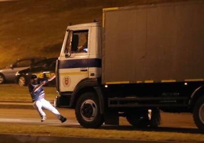 Автозак переїхав протестувальника в Мінську