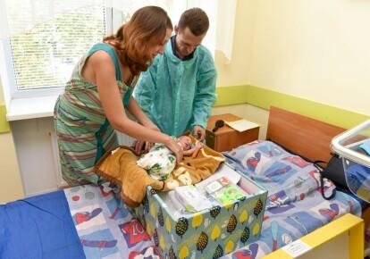 За два роки дії програми новоспеченим батькам видали понад 500 тис. пакетів новонародженого