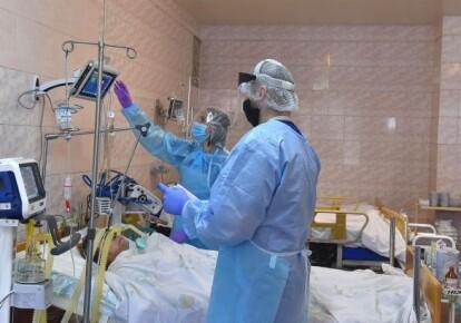 В Україні навчилися лікувати пацієнтів з COVID-19 стовбуровими клітинами