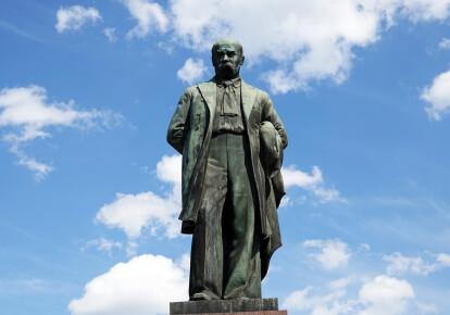 Памятник Тарасу Шевченко в Киеве