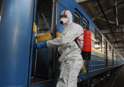 С 23:00 17 марта, столичный метрополитен прекращает свою работу. Фото: УНИАН