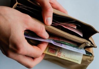 збирається змінити принцип встановлення зарплати для працівників бюджетних установ